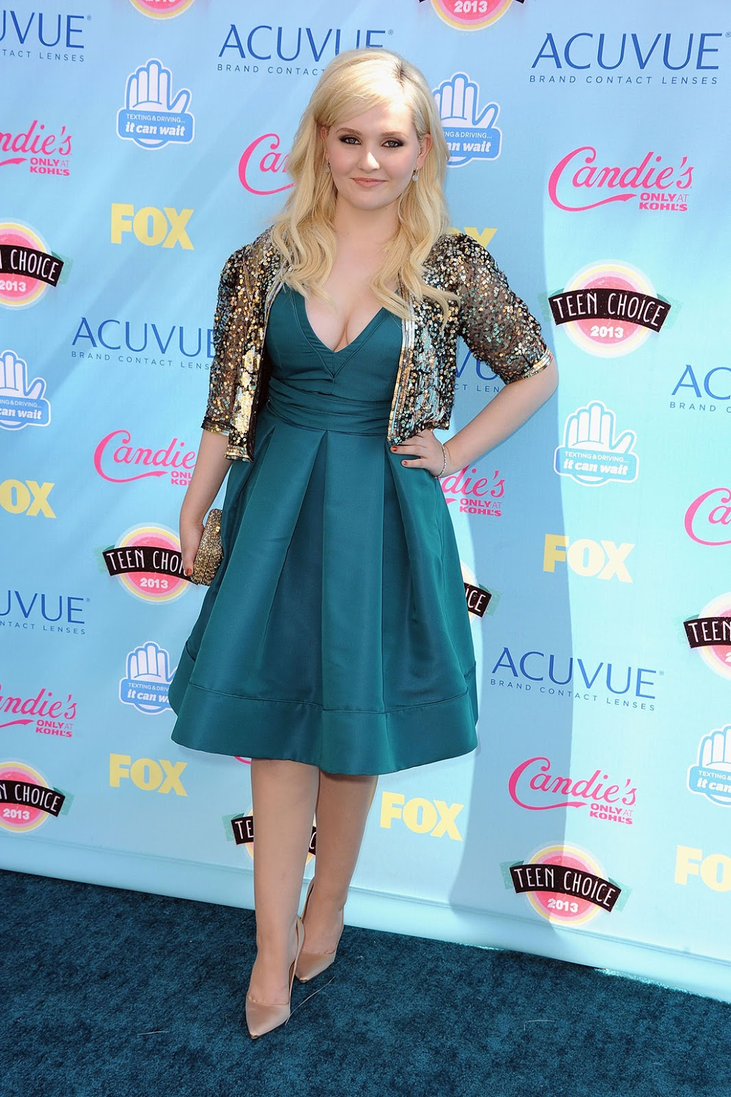 hq celebrity pictures: Abigail Breslin hot pictures