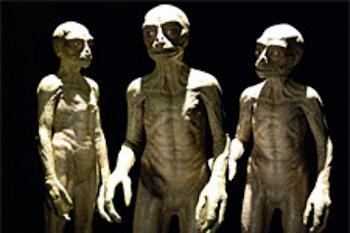 RAZA DE HUMANOS-SAURIOS-ALTURA-4-5-6-7-PIES-MANOS CON TRES DEDOS CON GARRAS-