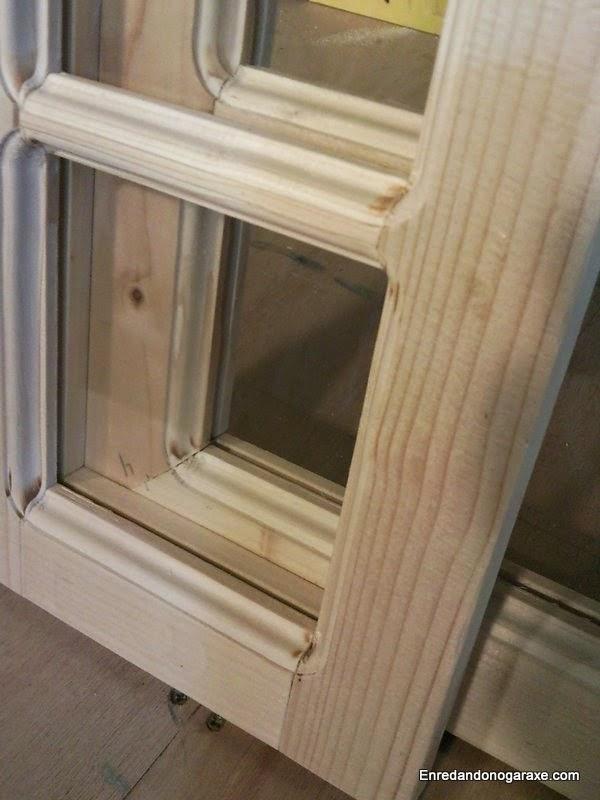 Efecto del cristal con junquillo de madera desde el exterior. Enredandonogaraxe.com