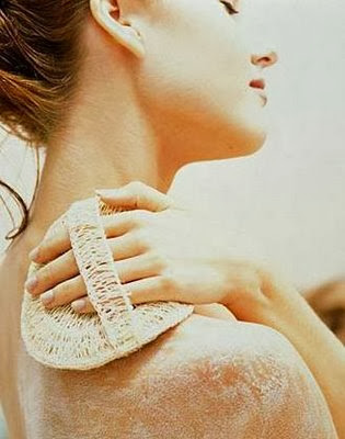 How to Exfoliate the Body