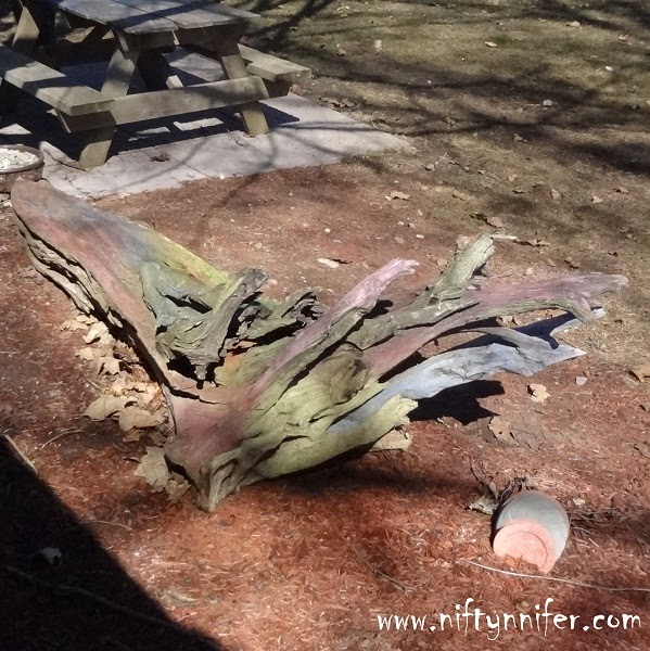 I Tie Dyed My Drift Wood ~Garden Project http://www.niftynnifer.com/2014/08/i-tie-dyed-my-drift-wood-garden-project.html