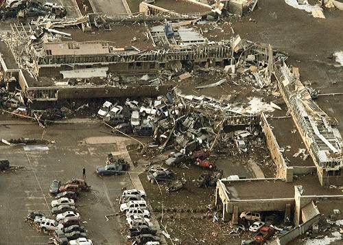 Oklahoma_tornado_damage_aerial_photo