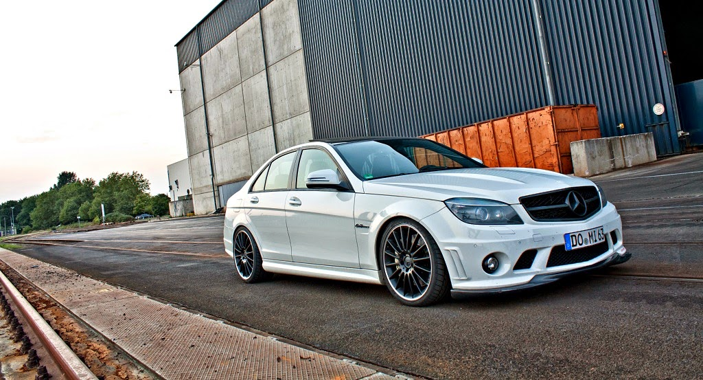 mercedes benz w204 c63 amg white on black benztuning. Black Bedroom Furniture Sets. Home Design Ideas