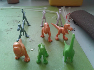 Epic: Dinosaurios a escala para orkos salvajes, eldars exoditas... 20151124_145229