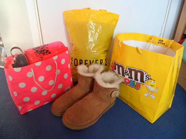 New York Haul: Pink, Aeropostale, Forever 21, M&M's World and Ugg