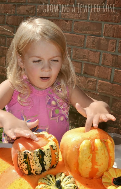 Pumpkin Potions- a FUN Fall activity for kids.  My little one had a blast playing pumpkin potion master