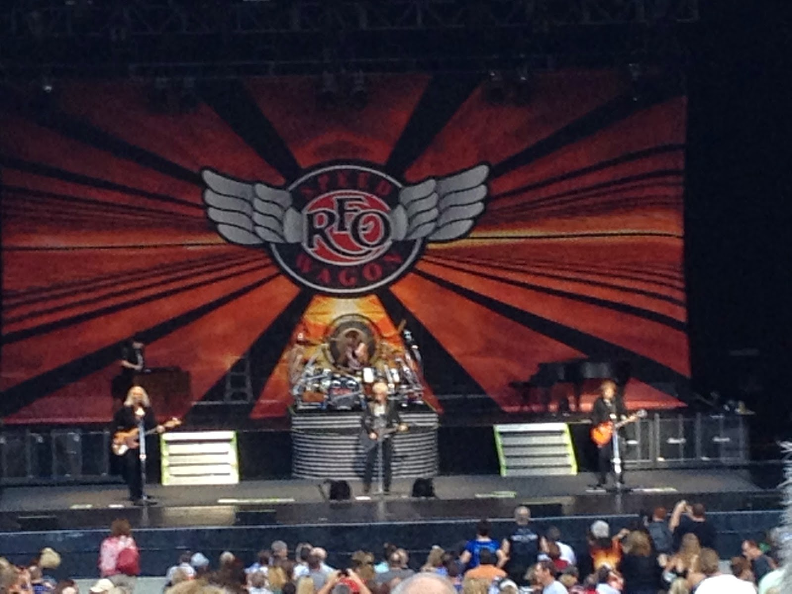 reo speedwagon concert tour dates Written by reo speedwagon january 11, 2018 kevin thanks you for all the well-wishes we also wanted to update you all on our concert postponements kevin will be back in action for all shows scheduled for march and on.