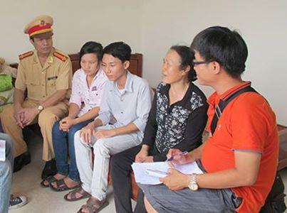 Trung tá CSGT giúp sĩ tử nghèo tay trắng ra HN ứng thí