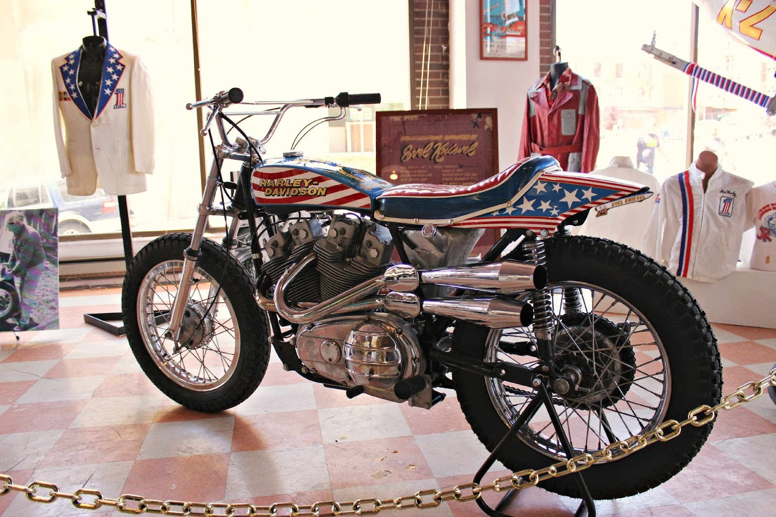 KLR Adventures First Day In Butte Evel Knievel Museum - Private museums in us