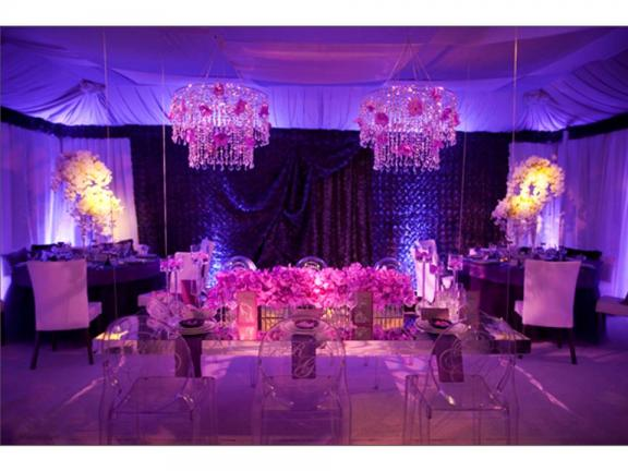 I wanted to share this gorgeous deep purple reception from OneWed
