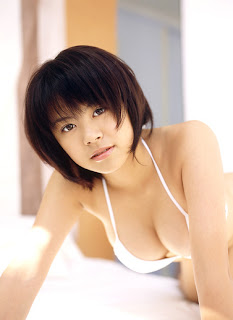 Kyoko Kamidozono Japanese Hot Idol Sexy Hot Swimsuit Photo Gallery 3