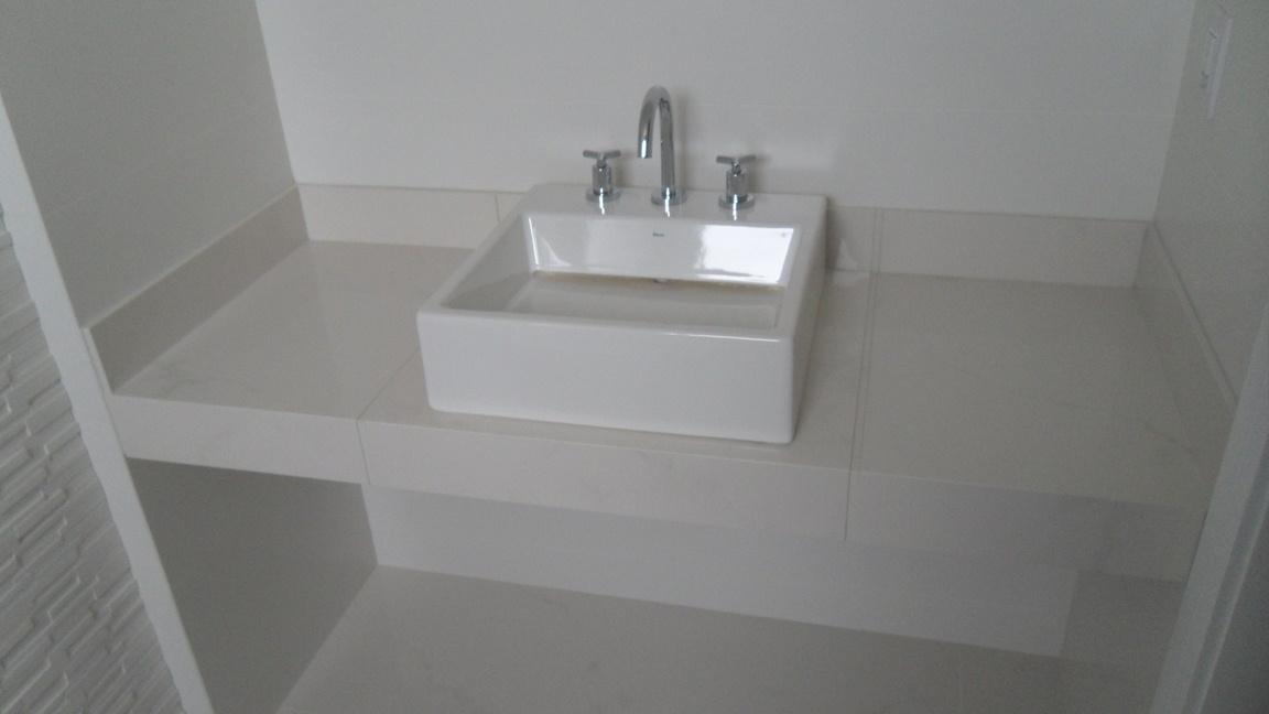 Bel Taglio , cortes especiais em porcelanato Banheiro com nichos moldura sa -> Nicho Banheiro Portobello