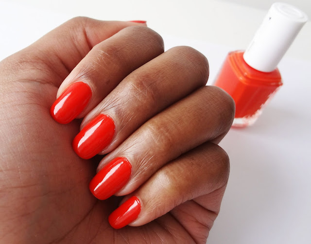 Review and swatches of orange nail polish Orange, it's obvious! by Essie.