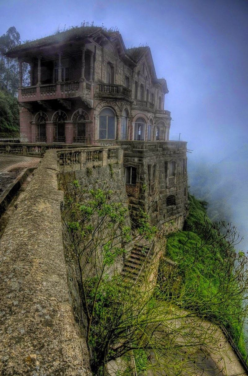 18. Salto Hotel, Colombia - 31 Haunting Images Of Abandoned Places That Will Give You Goose Bumps