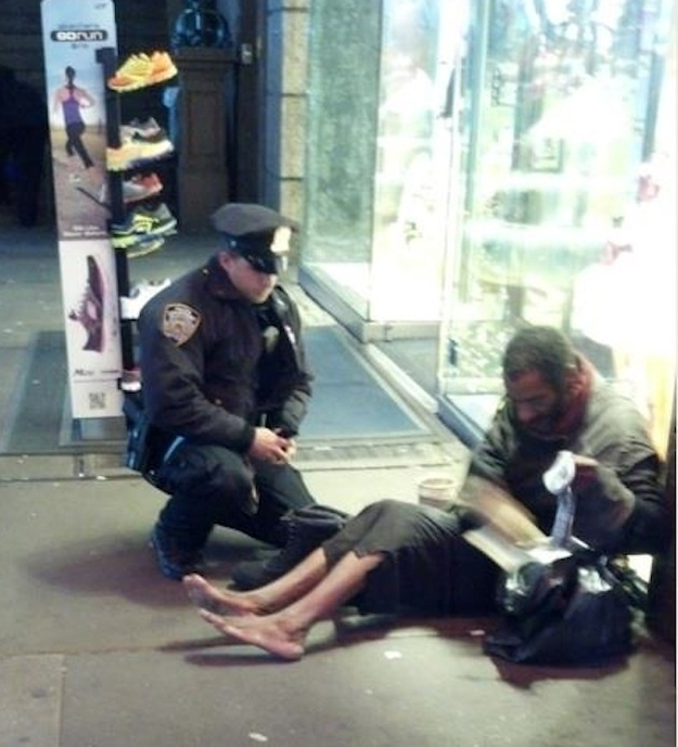26 Moments That Will Restore Your Faith In Humanity Again - This police officer bought shoes for a barefoot homeless man