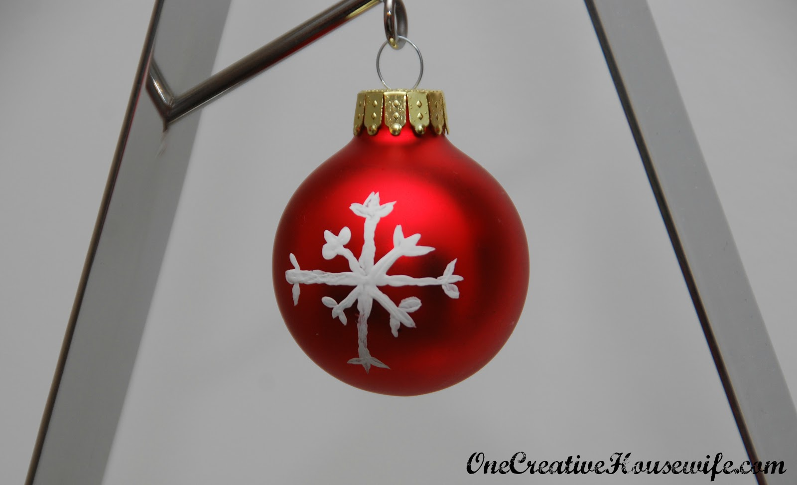 Glue for glass ornaments - Due To The Glass Paint S Long Drying Time I Recommend Painting The Acrylic Paints First Then The Glitter Glue Then The Glass Paint
