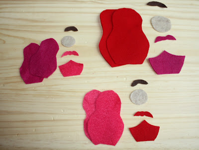 Felt Nesting Doll Ornaments | Sweet and easy. Use as Christmas tree ornaments, gift tags on packages, or as adorable dolls for your little ones to play with.