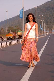 Nisha-Agarwal-Solo-Movie-Stills-CF-09.jpg