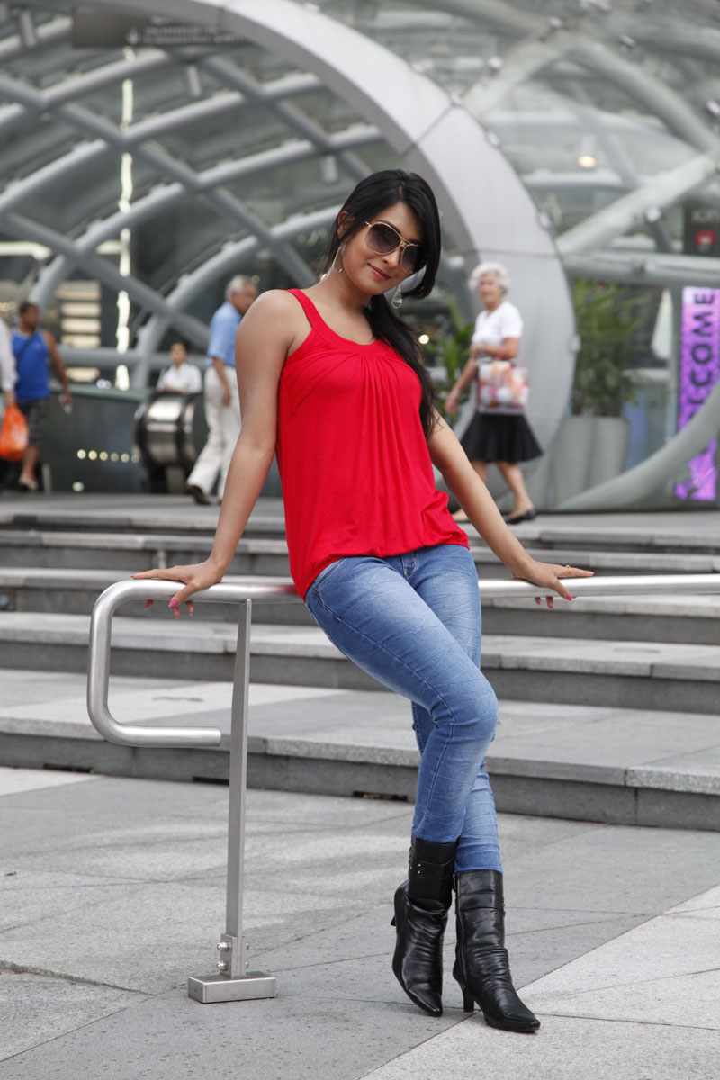 superb and elegant Radhika apte in tight jeans latest stylish and ...