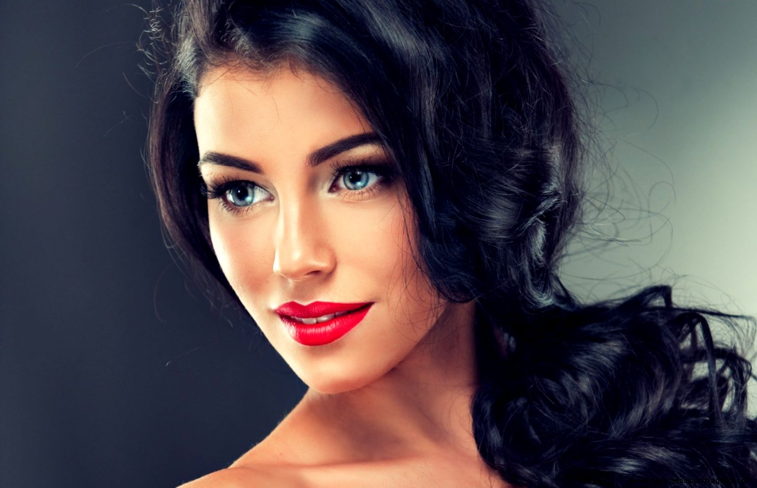 Brunette Girl Hair Curls Makeup Eyes Eyelashes Lips Lipstick Hd