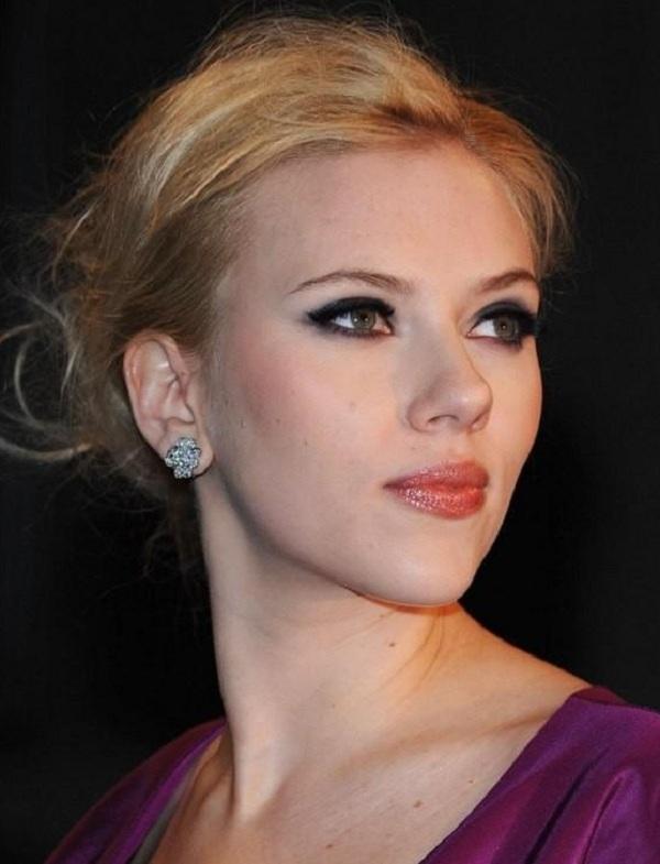 Scarlett Johansson makeup looks