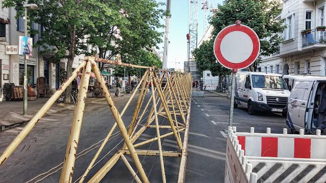 Baustelle Baukran Aufstellung, Winsstraße 21-22, 10405 Berlin, 28.04.2014