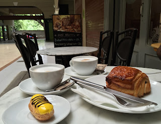 Pastries at La Bouchee D'Or, Pune
