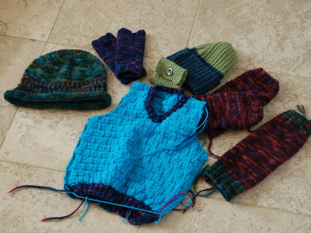 Woolly Gathering: KNITTING Contemporary patterns and styles