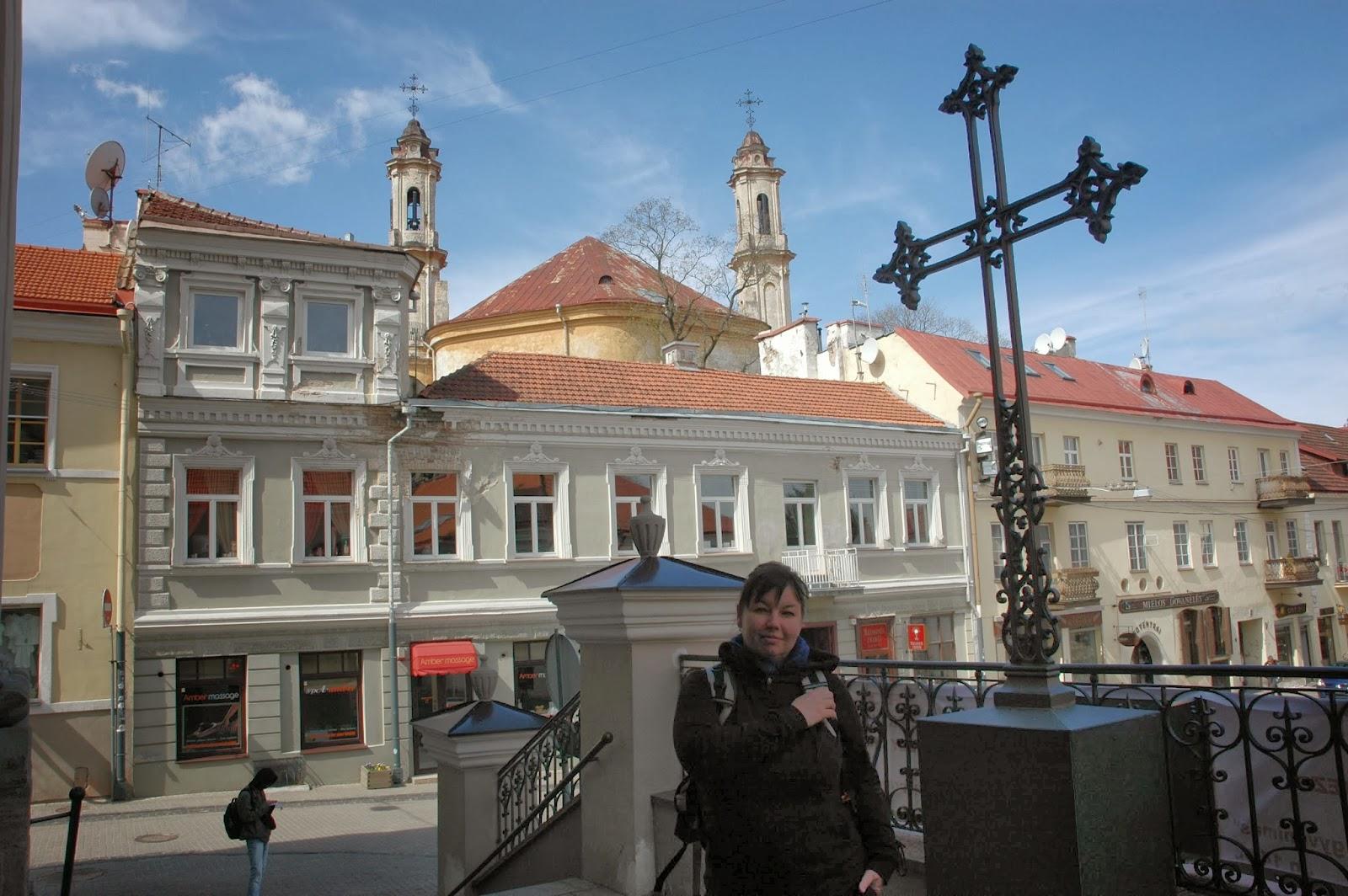 przed kościołem św. Teresy