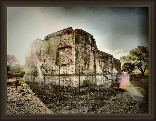 La senia aerodromo sala de mandos vestigios historia guerra civil espa a fotos ernest descals - El tiempo en la senia tarragona ...
