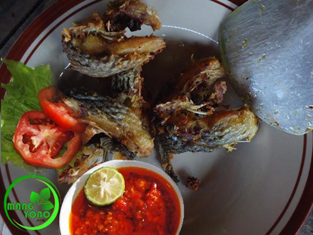 FOTO : Ikan mas goreng sambal tomat
