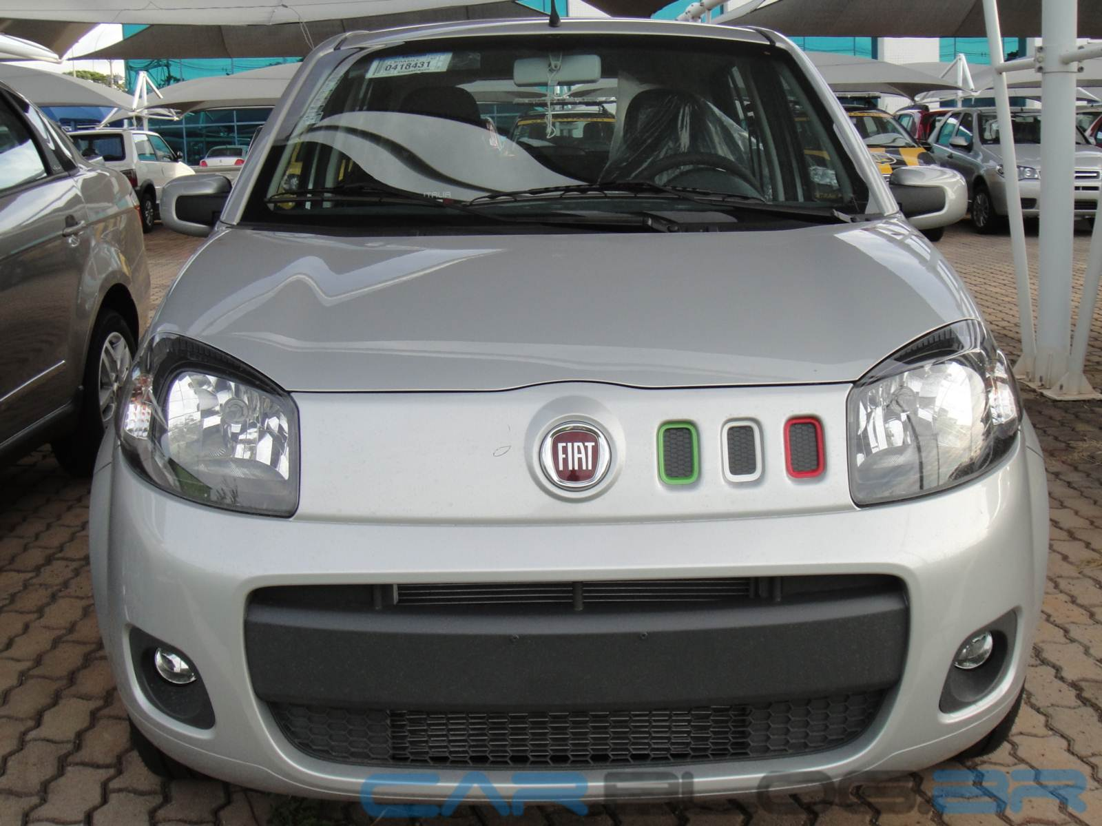 Fiat Uno 2015 x Volkswagen up! - vendas