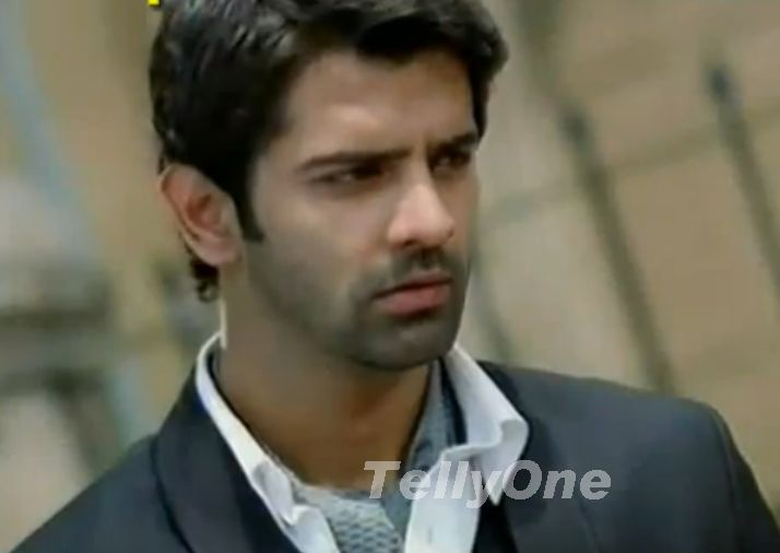 Barun Sobti As Arnav Raizada In Is Pyar Ko Kya Naam Doon Tellyone