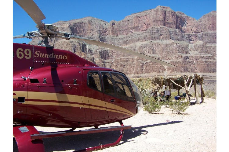 MAD NEWS Sundance Helicopters39 Tourists Chopper Crash Killed Five Near L