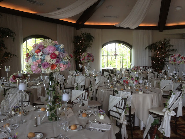 Saratoga National Golf Club Wedding Pictures - Table Arrangements - Splendid Stems - Wedding Flowers