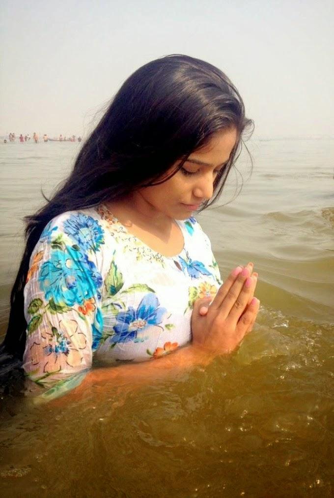 Poonam Pandey Nice boobs photo