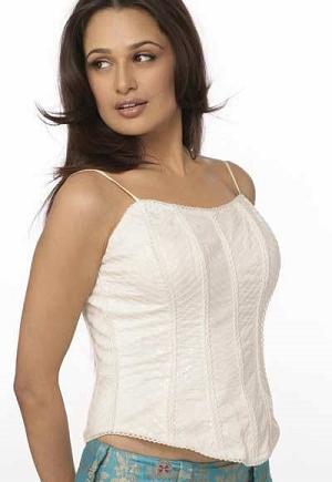 Cute pakki girl showing her boobs