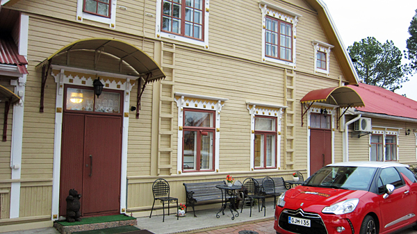 Kartano Hostel is situated in Kokemäki, South-West Finland
