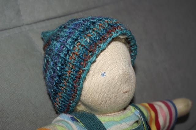 Puppenmütze stricken kleine Anleitung