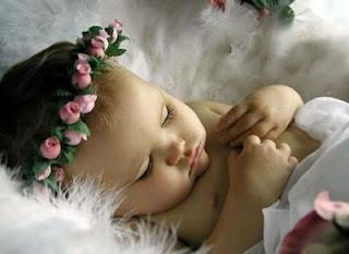 Bebe disfrazado de angel