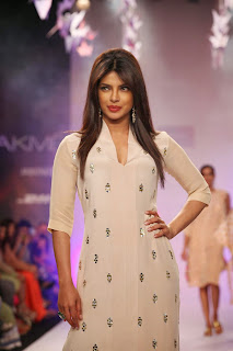 Priyanka Chopra Pictures On The Ramp at Lakme Fashion Week (LFW) 2014 ~ Celebs Next