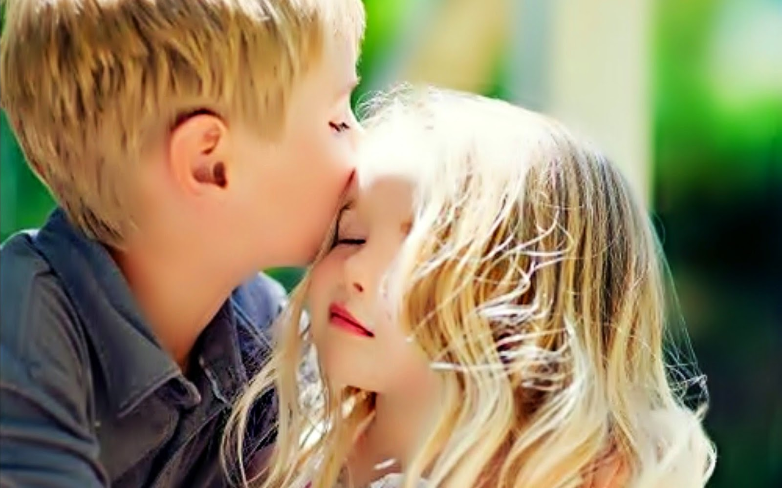 Primer amor y beso ~ para querida Adi