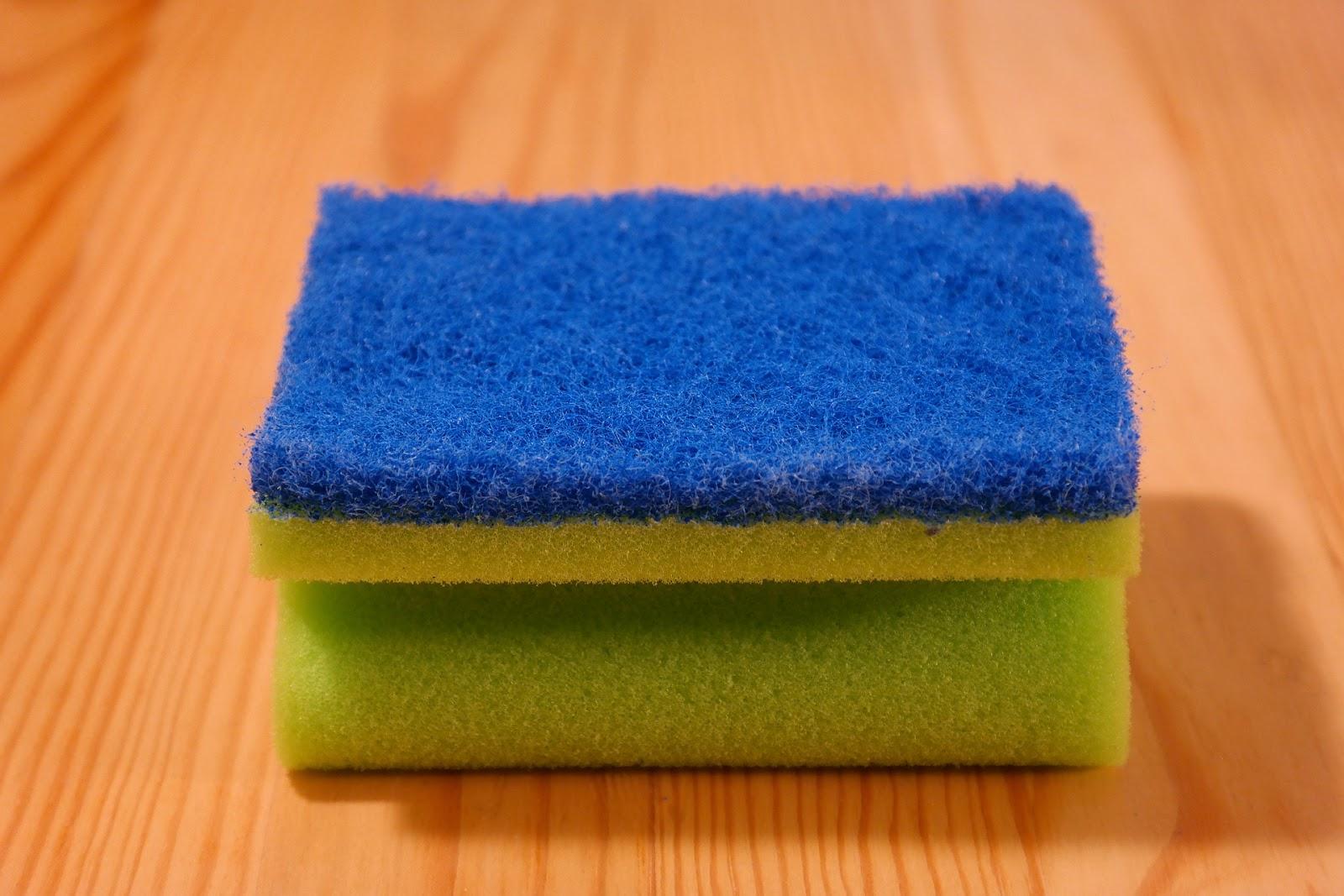 Φτιάξτε δυο εύκολα και φθηνά φυσικά καθαριστικά για το σπίτι σας.