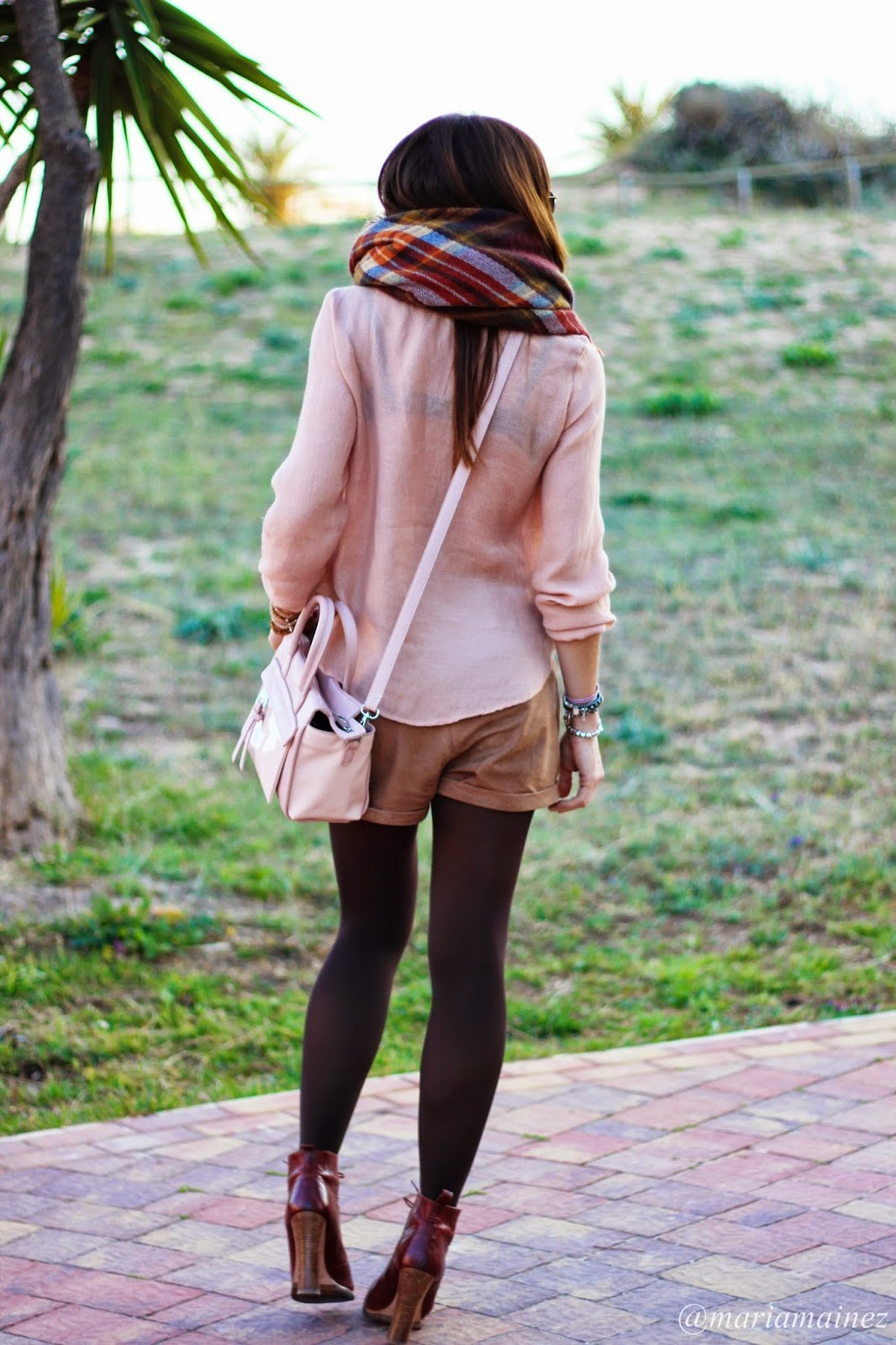 baltarini shoes - pepe moll bags - shorts ante - bufanda manta zara