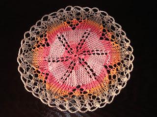 serwetka na drutach kwiatek