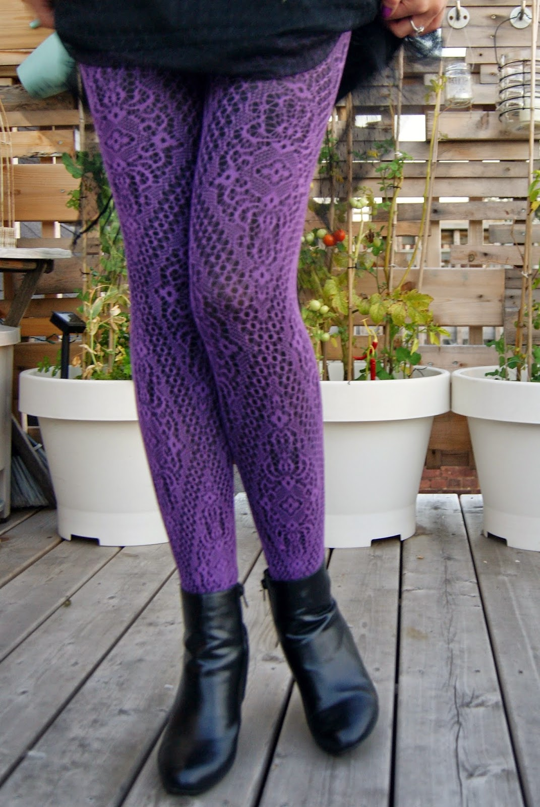 Fashion Obsession + Trend Alert: Layering tights, legwear, pattern, fashion, style, styletips, shopping, the purple scarf, melanieps, toronto, ontario, canada