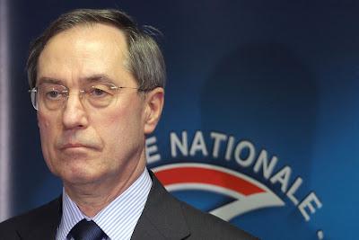 França: MINISTRO DO INTERIOR ACUSADO DE DECLARAÇÕES RACISTAS