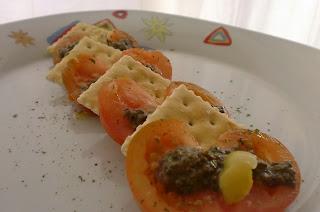 359° Receta: Canapes De Tomate Y Pate De Aceitunas Y Berenjenas