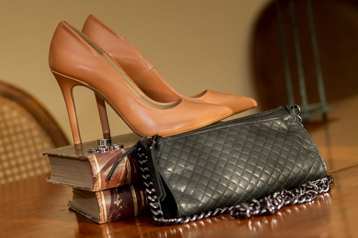 Zapatos Salón Pumps Stilettos color maquillaje bolso acolchado de cuero negro y set de anillos plata Compras en Zara de blogger zapatoadicta