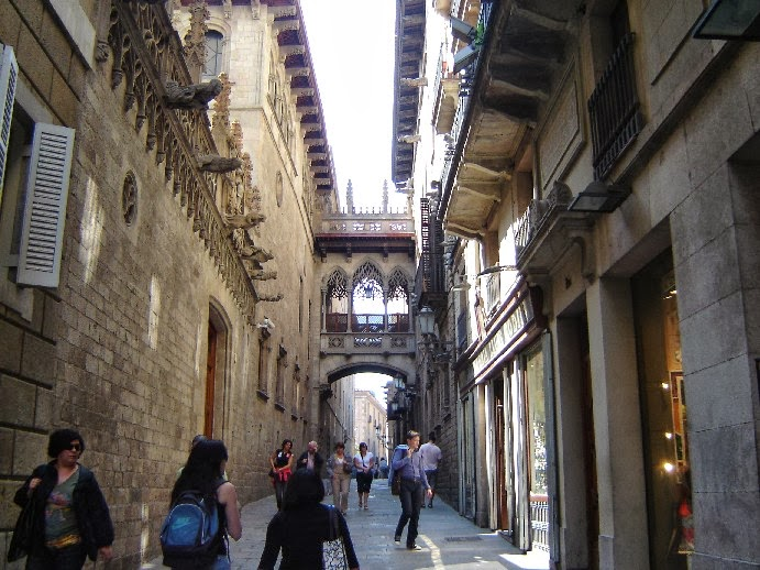 El bario g tico de barcelona vacaciones en barcelona y - Casco antiguo de barcelona ...
